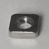 DIN 562 A4 Vierkantmuttern  M3, BOX 500 Stück